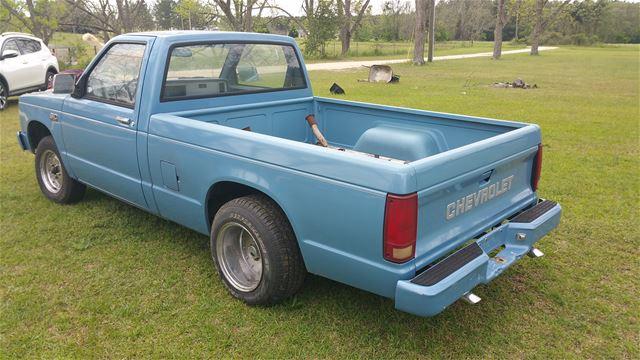 v8 s10 for sale truck autos post. Black Bedroom Furniture Sets. Home Design Ideas