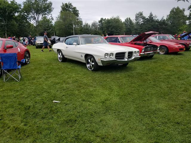 Coupe V8 Conversion additionally 1985 Pontiac Fiero together with 2013 Chevrolet Malibu Kalamazoo Mi 229351581 in addition 84009 furthermore Egr Location On 08 Impala. on pontiac fiero on 22 inch rims