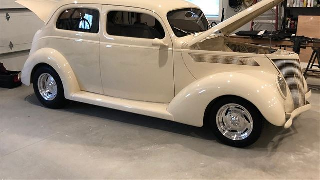 1937 Ford Deluxe for sale