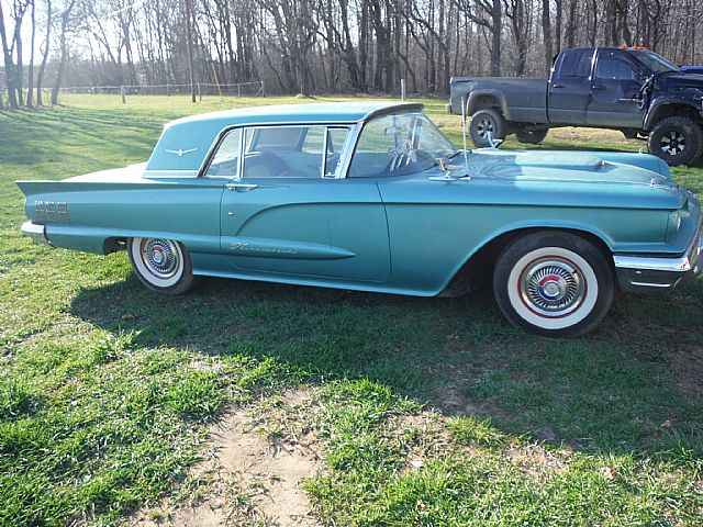 1960 Ford Thunderbird