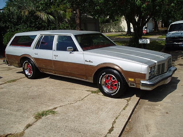 1977 Oldsmobile Custom Cruiser for sale