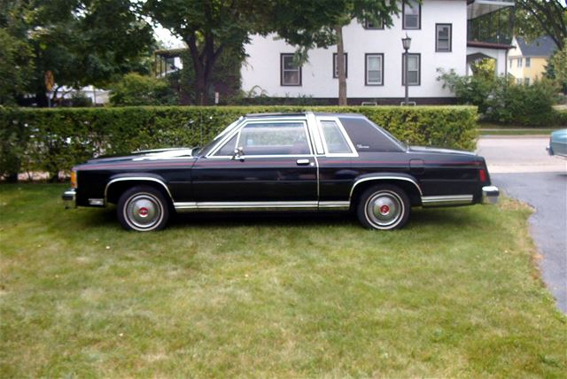 1981 Ford Crown Victoria