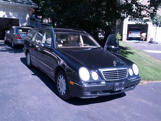 2002 Mercedes E320W for sale