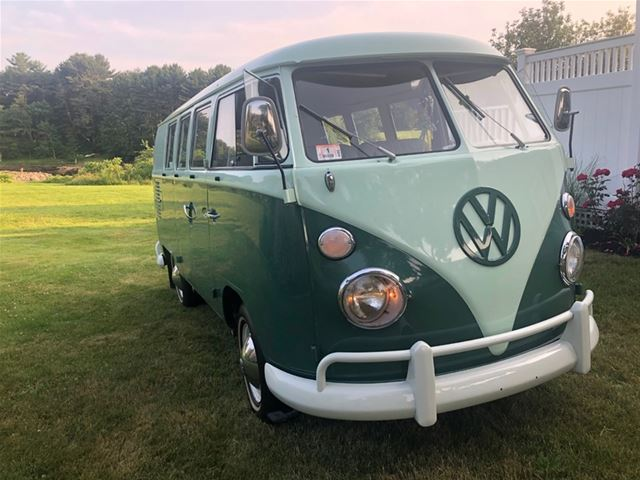 1965 Volkswagen 11 Window Bus