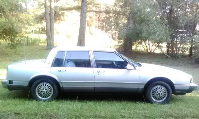 1988 Oldsmobile 98 Touring Sedan - 48.3KB