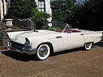 1957 Ford Thunderbird Picture 2