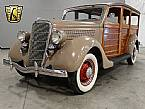 1935 Ford Woody Picture 2