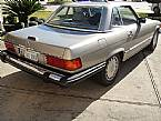 1989 Mercedes 560SL Picture 2