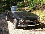 1969 Datsun Roadster Picture 2