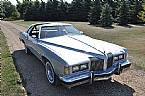 1976 Pontiac Grand Prix Picture 2