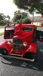 1932 Ford 3 Window Coupe Picture 2
