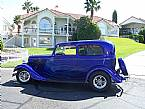 1933 Ford 2 Door Picture 2