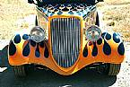 1933 Ford Tudor Picture 2