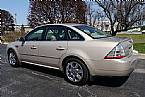 2008 Ford Taurus Picture 2
