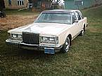 1981 Lincoln Town Car Picture 2