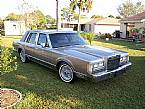 1989 Lincoln Town Car Picture 2