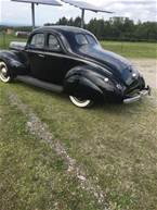 1940 Ford 5 Window Coupe Picture 2