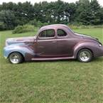 1940 Ford Deluxe Picture 2
