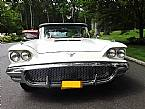 1958 Ford Thunderbird Picture 2