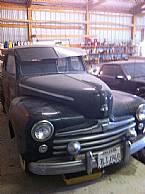 1947 Ford Deluxe Picture 2