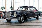1964 Mercedes 220S Picture 2