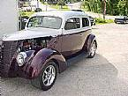 1937 Ford Tudor Picture 3