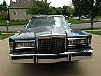 1986 Lincoln Town Car Picture 3