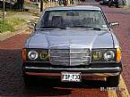 1982 Mercedes 300CD Picture 3