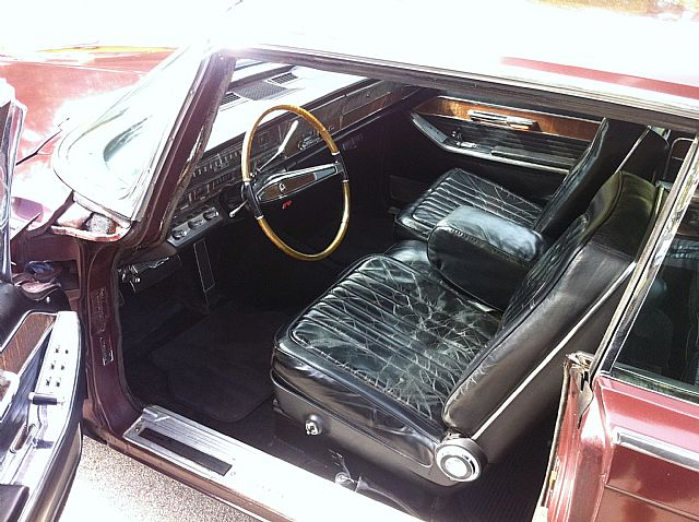 1965 Chrysler Imperial Picture 3