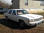 1990 Ford LTD Picture 3