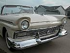 1957 Ford Skyliner Picture 4