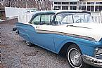 1957 Ford Fairlane Picture 4