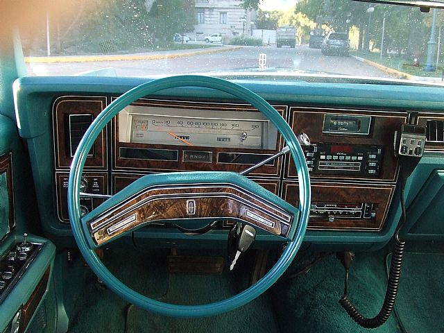 1979 lincoln town car interior pictures to pin on. Black Bedroom Furniture Sets. Home Design Ideas