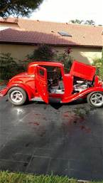 1932 Ford 3 Window Coupe Picture 8